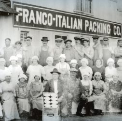 Photo of Frano-Italian Packing Co. cannery workers (photos: courtesy Los Angeles Maritime Museum)